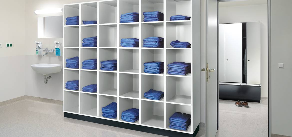 hospital-healthcare-lockers-03